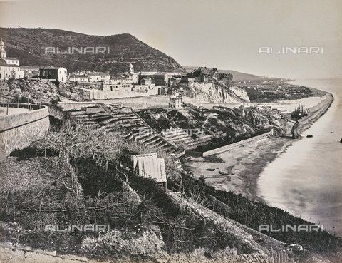 """AVQ-A-000439-0013 - Album """"La Corniche - Italie 1871-1876"""": veduta della riviera da Genova a Nizza - Data dello scatto: 1871-1876 - Raccolte Museali Fratelli Alinari (RMFA), Firenze"""