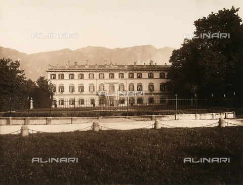 AVQ-A-000443-0001 - Villa Zina, former Villa Giulia in Bellagio on the Lake Como. The neoclassical villa was built by the count Pietro Venini - Data dello scatto: 1915 ca. - Archivi Alinari, Firenze