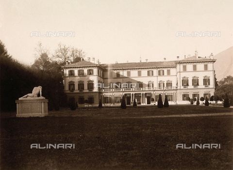 AVQ-A-000443-0008 - Villa Zina, former Villa Giulia and the park opposite, in Bellagio on the Lake Como. The neoclassical villa was built by the count Pietro Venini - Data dello scatto: 1915 ca. - Archivi Alinari, Firenze