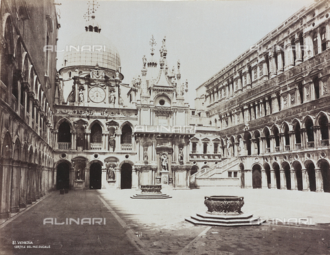 AVQ-A-000455-0023 - View of the courtyard of Palazzo Ducale in Venice, with the façade of the Clock - Data dello scatto: 1865-1875 - Archivi Alinari, Firenze