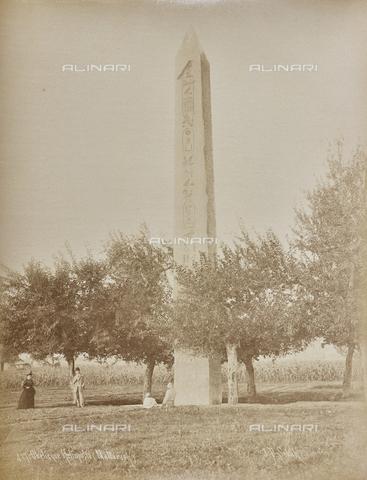 AVQ-A-000523-0028 - Obelisco di Eliopoli (Heliopolis) - Data dello scatto: 1880 - 1890 - Raccolte Museali Fratelli Alinari (RMFA), Firenze