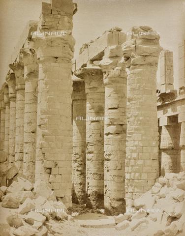 AVQ-A-000523-0040 - Colonne del tempio di Karnak, Egitto - Data dello scatto: 1880 - 1890 - Raccolte Museali Fratelli Alinari (RMFA), Firenze