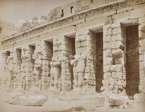 AVQ-A-000523-0050 - Medinet Habu, tempio funerario di Ramses III, Tebe, Egitto - Data dello scatto: 1880 - 1890 - Raccolte Museali Fratelli Alinari (RMFA), Firenze