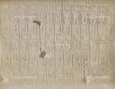 AVQ-A-000523-0055 - Rilievo con nomi e date degli sovrani dell'Egitto, Egitto - Data dello scatto: 1880 - 1890 - Raccolte Museali Fratelli Alinari (RMFA), Firenze
