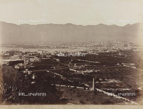 AVQ-A-000570-0002 - Panorama di Palermo - Data dello scatto: 1880-1890 - Raccolte Museali Fratelli Alinari (RMFA), Firenze