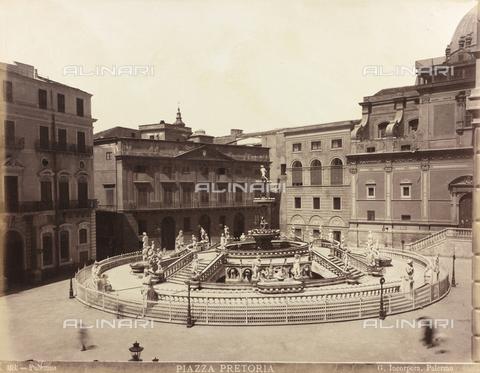 AVQ-A-000570-0018 - La Fontana Pretoria, in Piazza Pretoria a Palermo - Data dello scatto: 1880-1890 - Raccolte Museali Fratelli Alinari (RMFA), Firenze