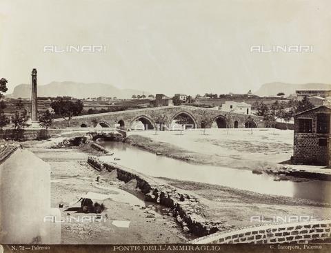 AVQ-A-000570-0028 - Veduta del Ponte dell'Ammiraglio a Palermo - Data dello scatto: 1860-1870 - Raccolte Museali Fratelli Alinari (RMFA), Firenze