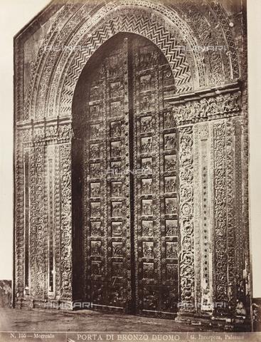 AVQ-A-000570-0033 - Il portale del Duomo di Monreale - Data dello scatto: 1880-1890 - Raccolte Museali Fratelli Alinari (RMFA), Firenze