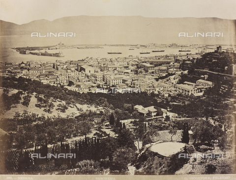 AVQ-A-000570-0059 - Veduta panoramica di Messina - Data dello scatto: 1880-1890 - Archivi Alinari, Firenze