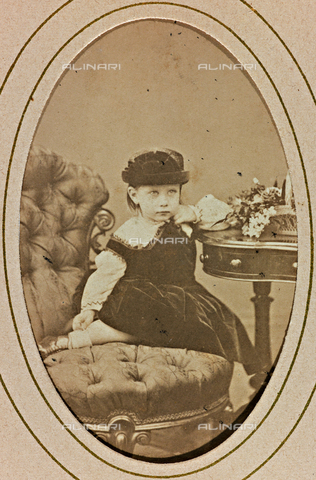 AVQ-A-000619-0020 - Portrait of Princess Victoria Elizabeth Augusta Charlotte of Prussia - Date of photography: 1865-70 - Fratelli Alinari Museum Collections, Florence