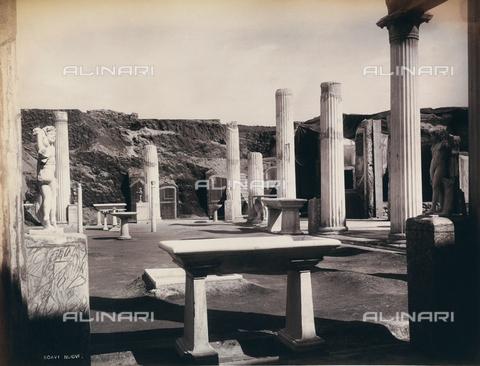 AVQ-A-000946-0022 - Remains of a room in the House of the Vetii in Pompei - Data dello scatto: 1865 ca. - Archivi Alinari, Firenze