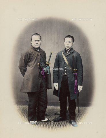 AVQ-A-000994-0014 - Japanese officers with scimitars - Data dello scatto: 1863-1877 - Archivi Alinari, Firenze