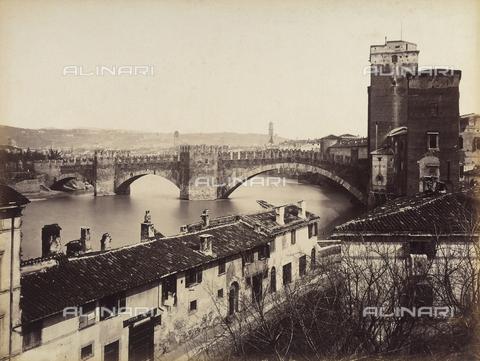 AVQ-A-001033-0027 - Il ponte Scaligero a Verona - Data dello scatto: 1870-1880 ca. - Archivi Alinari, Firenze
