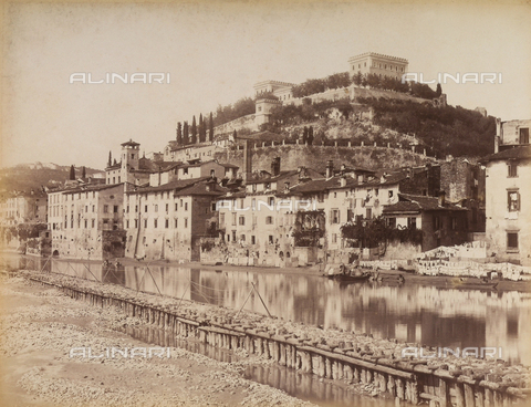 AVQ-A-001033-0028 - Il Castello San Felice a Verona - Data dello scatto: 1870-1880 ca. - Archivi Alinari, Firenze
