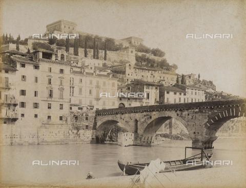 AVQ-A-001033-0029 - Il Castello San Felice a Verona - Data dello scatto: 1870-1880 ca. - Archivi Alinari, Firenze