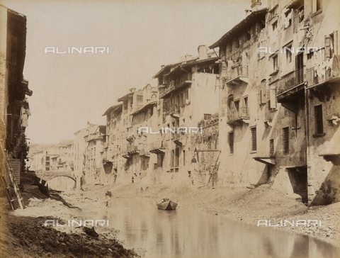 AVQ-A-001033-0032 - Un tratto del fiume Adige a Verona - Data dello scatto: 1870-1880 ca. - Archivi Alinari, Firenze