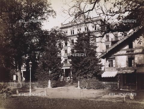 """AVQ-A-001037-0073 - """"Excursion en Italie"""": Hotel Victoria, Interlaken - Data dello scatto: 1880 ca. - Archivi Alinari, Firenze"""
