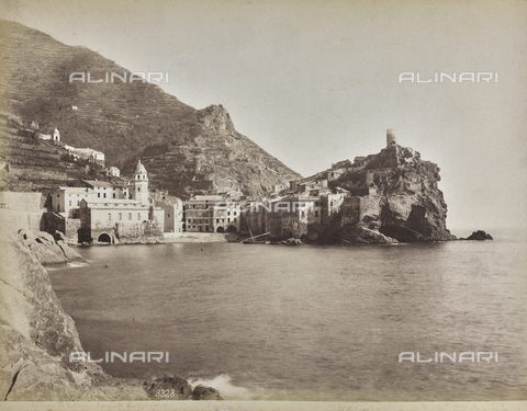 "AVQ-A-001038-0046 - Album ""Gênes et ses environs octobre 1891 - 1307"": view of Vernazza, Riviera of Levante. Date 1307 refers to the Rumi calendar (calendar used since 1839 by the Ottoman Empire and the Turkish Republic until 1926) - Data dello scatto: 10/1891 - Archivi Alinari, Firenze"
