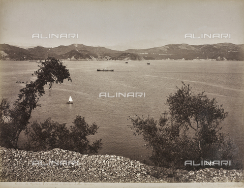 "AVQ-A-001038-0077 - Album ""Gênes et ses environs octobre 1891 - 1307"": view of the Gulf of La Spezia with Pertusola and Lerici from Le Grazie. Date 1307 refers to the Rumi calendar (calendar used since 1839 by the Ottoman Empire and the Turkish Republic until 1926) - Data dello scatto: 10/1891 - Archivi Alinari, Firenze"