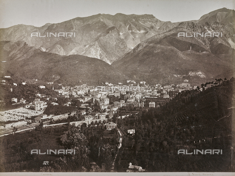 "AVQ-A-001038-0087 - Album ""Gênes et ses environs octobre 1891 - 1307"": View of Carrara. Date 1307 refers to the Rumi calendar (calendar used since 1839 by the Ottoman Empire and the Turkish Republic until 1926) - Data dello scatto: 01/01/1880-31/10/1891 - Archivi Alinari, Firenze"