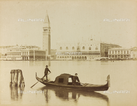 AVQ-A-001045-0014 - Gondoliers in the Venice lagoon, in front of the Bank of the Schiavoni - Data dello scatto: 1865-1875 - Archivi Alinari, Firenze