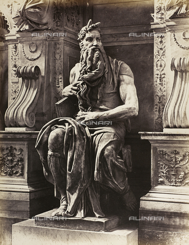 AVQ-A-001211-0039 - Moses, detail of  the Tomb of Julius II, marble, Michelangelo Buonarroti (1475-1564), the Basilica of San Pietro in Vincoli, Rome - Data dello scatto: 1859 ca. - Archivi Alinari, Firenze