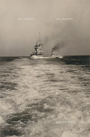 AVQ-A-001375-0013 - Nave da guerra italiana - Data dello scatto: 1936 - Archivi Alinari, Firenze