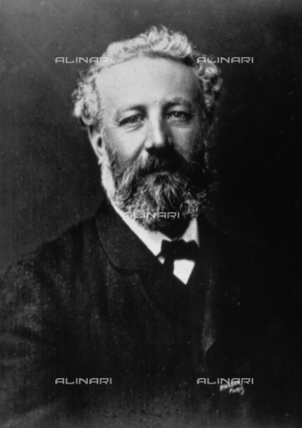 AVQ-A-001391-0319 - Half-length portrait of the famous French novelist Jules Verne - Data dello scatto: 1880-1890 ca. - Archivi Alinari, Firenze