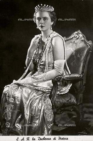 AVQ-A-001519-0122 - La principessa Lidia d'Arenberg, duchessa di Pistoia, moglie di Filiberto di Savoia - Data dello scatto: 1920-1930 ca. - Archivi Alinari, Firenze