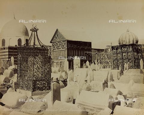 "AVQ-A-001581-0010 - Album "" Damas et Baalbek "": Tombs of emirs Syrians in Damascus - Data dello scatto: 1880 ca. - Archivi Alinari, Firenze"