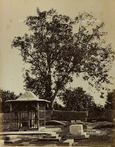 """AVQ-A-001581-0016 - Album """"Damas et Baalbek"""": Tomb of Saint George in Damascus - Data dello scatto: 1880 ca. - Archivi Alinari, Firenze"""