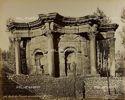 """AVQ-A-001581-0030 - Album """" Damas et Baalbek """": Temple of Venus in the archaeological site of Baalbek (Heliopolis) - Data dello scatto: 1880 ca. - Archivi Alinari, Firenze"""