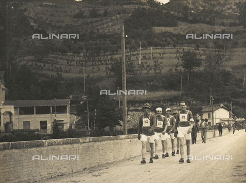 AVQ-A-001665-0034 - The After-work Activities Centre of the War Ministry of Bologna, walking race in Vergato
