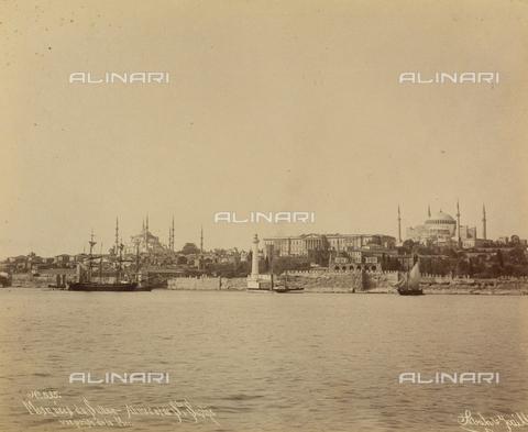 """AVQ-A-001826-0003 - """"Souvenir de Costantinople"""": Veduta di Costantinopoli - Data dello scatto: 1860-1890 ca. - Archivi Alinari, Firenze"""