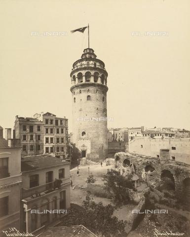"""AVQ-A-001826-0013 - """"Souvenir de Costantinople"""": torre di Galata - Data dello scatto: 1860-1890 ca. - Archivi Alinari, Firenze"""