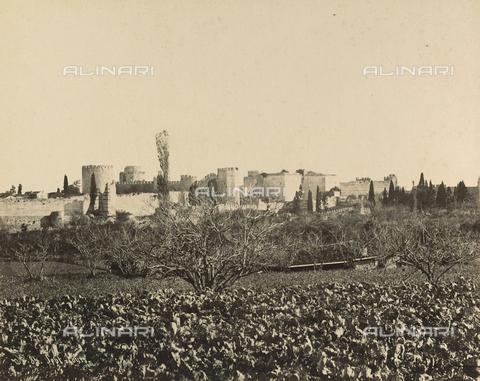 """AVQ-A-001826-0017 - """"Souvenir de Costantinople"""": Castello delle Sette Torri - Data dello scatto: 1860-1890 ca. - Archivi Alinari, Firenze"""