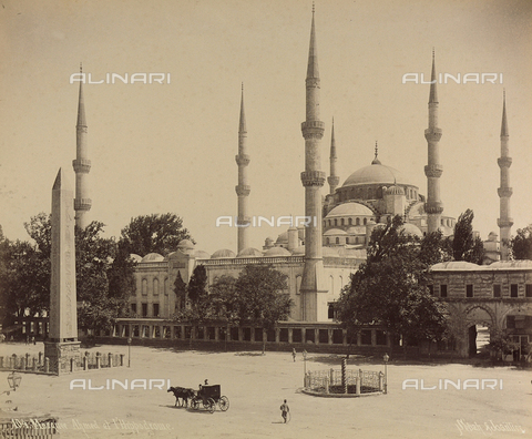 """AVQ-A-001826-0022 - """"Souvenir de Costantinople"""": moschea di Ahmet nei pressi dell'Ippodromo - Data dello scatto: 1860-1890 ca. - Archivi Alinari, Firenze"""