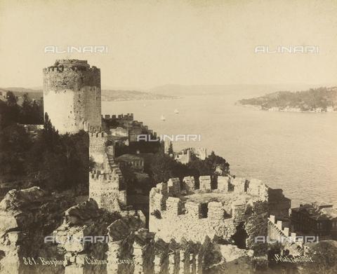 """AVQ-A-001826-0039 - """"Souvenir de Costantinople"""": Castello d'Europa sul Bosforo - Data dello scatto: 1860-1890 ca. - Archivi Alinari, Firenze"""