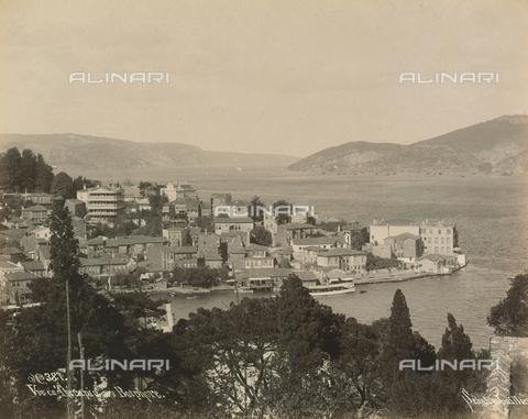 """AVQ-A-001826-0040 - """"Souvenir de Costantinople"""": view of Therapia on the Straits of Bosphorus - Data dello scatto: 1860-1890 ca. - Archivi Alinari, Firenze"""