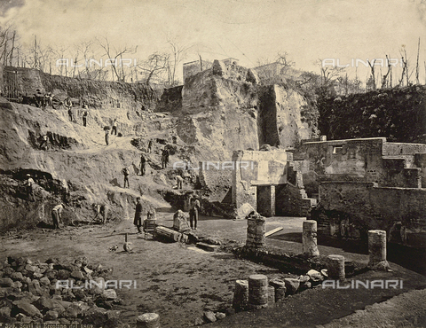 AVQ-A-002010-0028 - The archeological excavation site of Herculaneum - Data dello scatto: 1869 - Archivi Alinari, Firenze