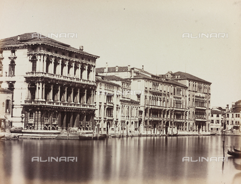 AVQ-A-002026-0011 - View of the Grand Canal in Venice, with the façades of Ca' Rezzonico, Palazzo Giustinian and Ca' Foscari - Data dello scatto: 1870-1880 - Archivi Alinari, Firenze