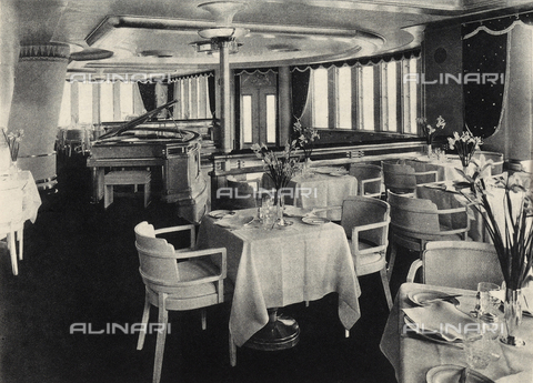 AVQ-A-002346-0005 - R.M.S. Queen Mary: the veranda-restaurant of the transatlantic Queen Mary