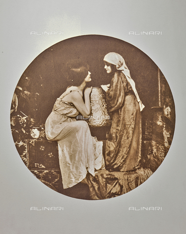 """AVQ-A-002535-0010 - """"Soeurs"""", photography taken from the journal """"L'Art Photographique 1899-1900"""" - Date of photography: 1895-1899 - Fratelli Alinari Museum Collections, Florence"""
