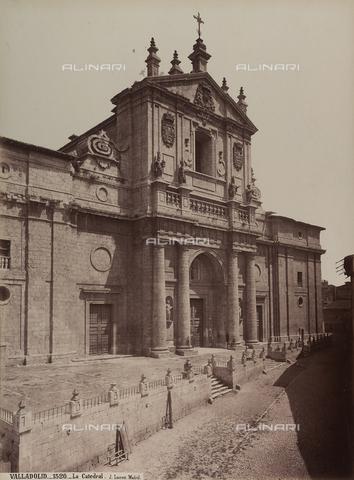 AVQ-A-002692-0026 - Facciata della cattedrale di Valladolid in Spagna - Data dello scatto: 1875 ca. - Raccolte Museali Fratelli Alinari (RMFA), Firenze