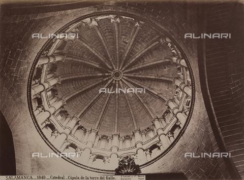 AVQ-A-002692-0062 - La cupola dela Torre del Gallo nella cattedrale di Salamanca in Spagna - Data dello scatto: 1875 ca. - Archivi Alinari, Firenze