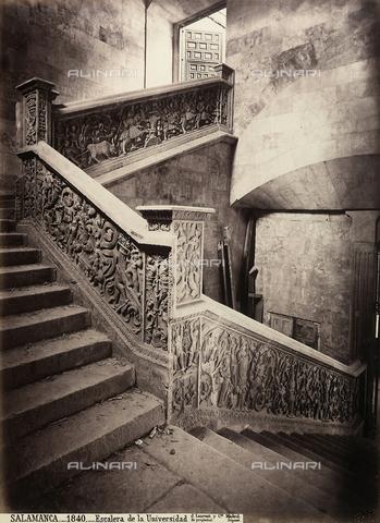 AVQ-A-002692-0069 - La scala interna del Palazzo dell'Università di Salamanca in Spagna - Data dello scatto: 1875 ca. - Raccolte Museali Fratelli Alinari (RMFA), Firenze