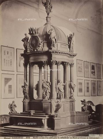 AVQ-A-002692-0071 - Modello ligneo di un altare della cattedrale di Salamanca, conservato nel Museo Provincial de Bellas Artes a Salamanca - Data dello scatto: 1875 ca. - Raccolte Museali Fratelli Alinari (RMFA), Firenze