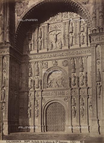 AVQ-A-002692-0073 - Facciata della chiesa di San Domenico a Salamanca - Data dello scatto: 1875 ca. - Raccolte Museali Fratelli Alinari (RMFA), Firenze