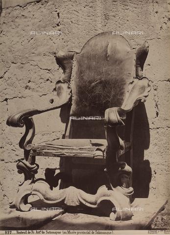 AVQ-A-002692-0074 - Un sedile conservato nel Museo Provincial de Bellas Artes a Salamanca - Data dello scatto: 1875 ca. - Archivi Alinari, Firenze