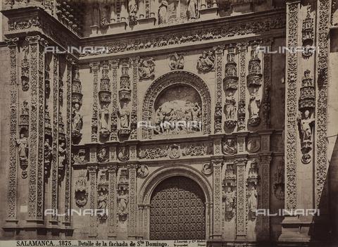AVQ-A-002692-0076 - Particolare della facciata della chiesa di San Domenico a Salamanca - Data dello scatto: 1875 ca. - Archivi Alinari, Firenze